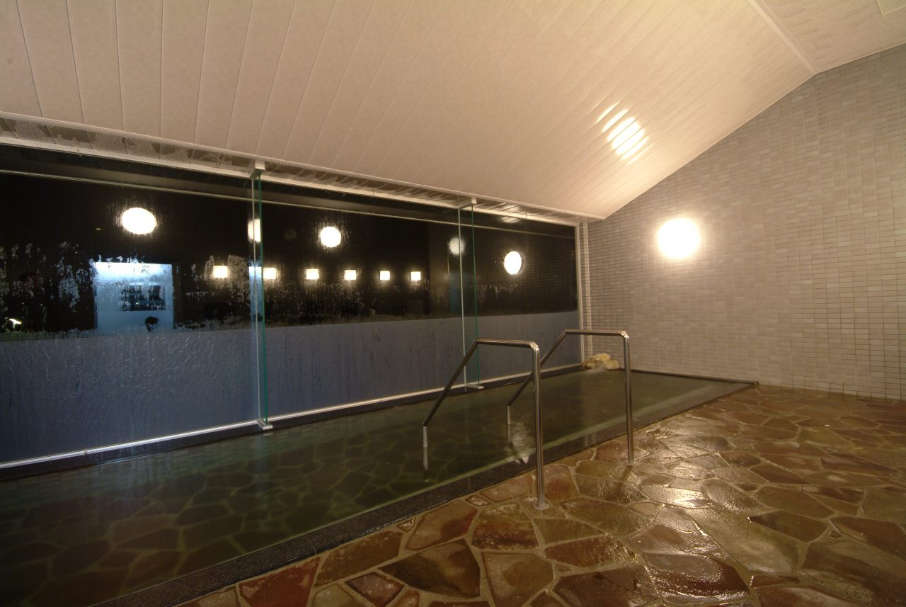 Relax in the Shio-no-Michi Hot Spring
