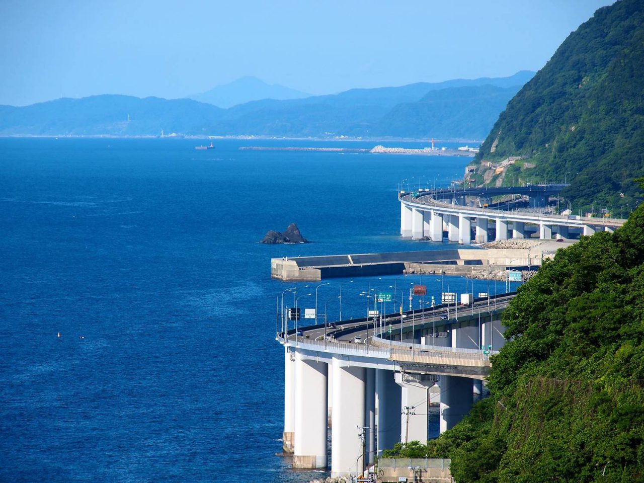 The Hokuriku Expressway winds through the Cliffs