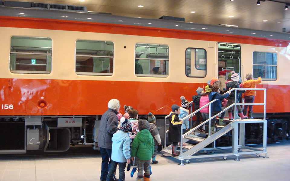 Wait for your train in this beautifully preserved Kiha-52 train